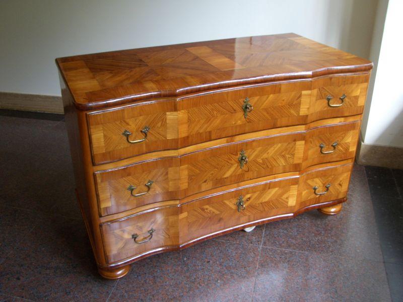 barockkommode s ddeutschland um 1760 antike m bel und. Black Bedroom Furniture Sets. Home Design Ideas