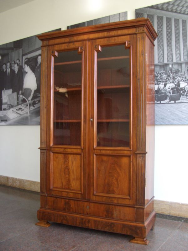 b cherschrank bibliothek biedermeier mahagoni berlin um 1860 antike m bel und antiquit ten berlin. Black Bedroom Furniture Sets. Home Design Ideas
