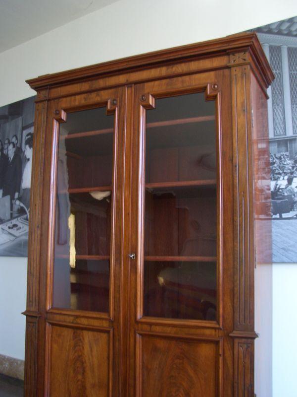 b cherschrank bibliothek biedermeier mahagoni berlin um 1860 antike m bel und antiquit ten berlin. Black Bedroom Furniture Sets. Home Design Ideas