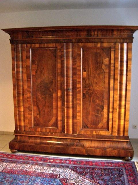 frankfurter wellenschrank um 1720 unrestauriert antike. Black Bedroom Furniture Sets. Home Design Ideas