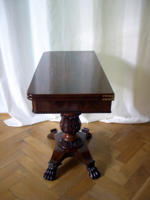 biedermeier klapptisch pyramidenmahagoni antike mbel und antiquitten berlin. Black Bedroom Furniture Sets. Home Design Ideas