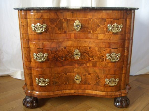 kommoden antike m bel und antiquit ten berlin. Black Bedroom Furniture Sets. Home Design Ideas